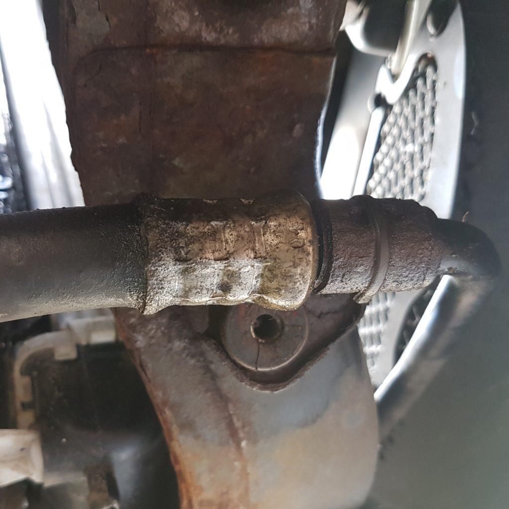 Ремонт шлангов кондиционера автомобиля